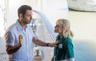 Eugenio Derbez & Anna Faris Fall into a Sweet Chemistry in 'Overboard' Reboot
